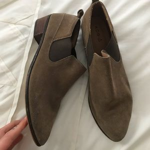 KDB size 10 ankle booties